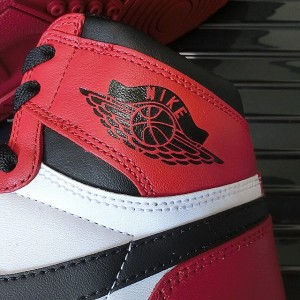 air-jordan-1_5-chicago-05