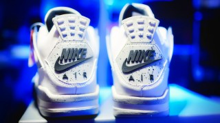 "2016年2月発売予定!? Nike Air Jordan 4 ""White Cement"""
