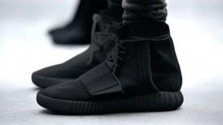 "12月19日発売 Adidas Yeezy Boost 750 ""Triple Black"""