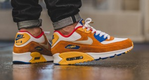 700155-107-nike-made-air-max-90s-that-look-like-curry-air-max-1s-1-1010x547