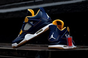 Air-Jordan-IV-Dunk-From-Above-4