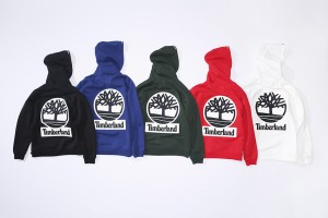 supreme_timberland_vinyl-leather-logo-hooded-sweatshirt-2