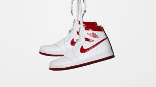 "5月6日発売予定 Nike Air Jordan 1 Retro High OG ""Metallic Red""555088-103"