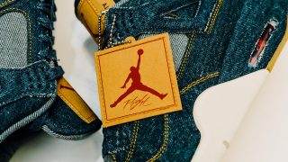 1月20日抽選発売 Nike Air Jordan 4 Retro × LEVI'S  Denim AO2571-401