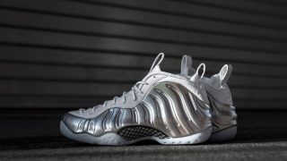 1月25日発売 Nike W Air Foamposite One SILVER WHITE AA3963-100