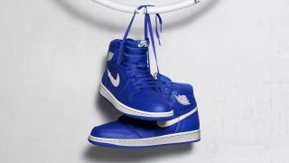 7月21日発売 Nike Air Jordan 1 Retoro High OG HYPER ROYAL 555088-401